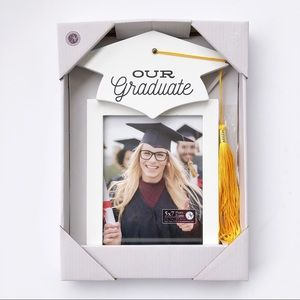 Other - NWT Graduate White With Tassel Picture Frame 5x7